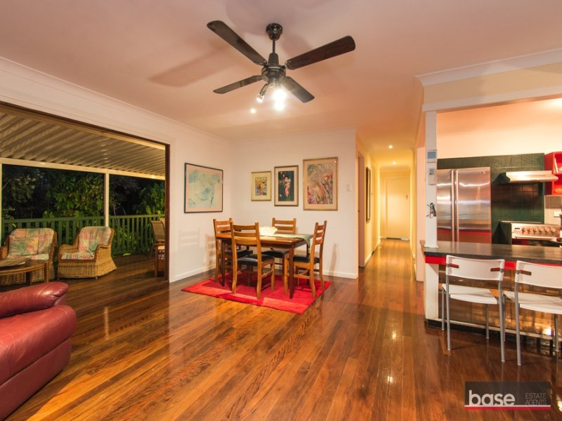 199 Edinburgh Castle Road, Wavell Heights, Qld 4012