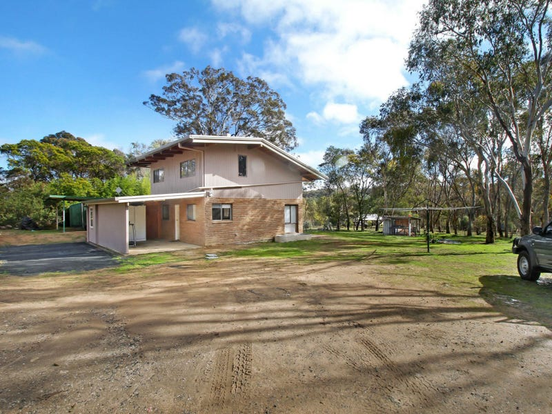 28 Rifle Range Road, Rocky River, NSW 2358