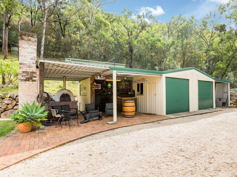716 Singleton Road, Laughtondale