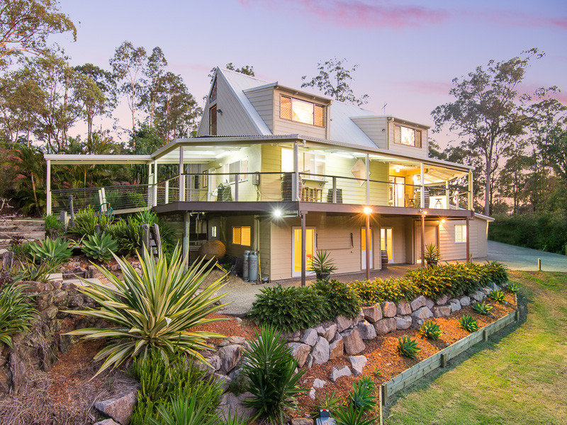 12 Branch Creek Road, Clear Mountain, Qld 4500