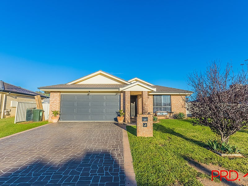 24 Bowman Drive, Tamworth, NSW 2340