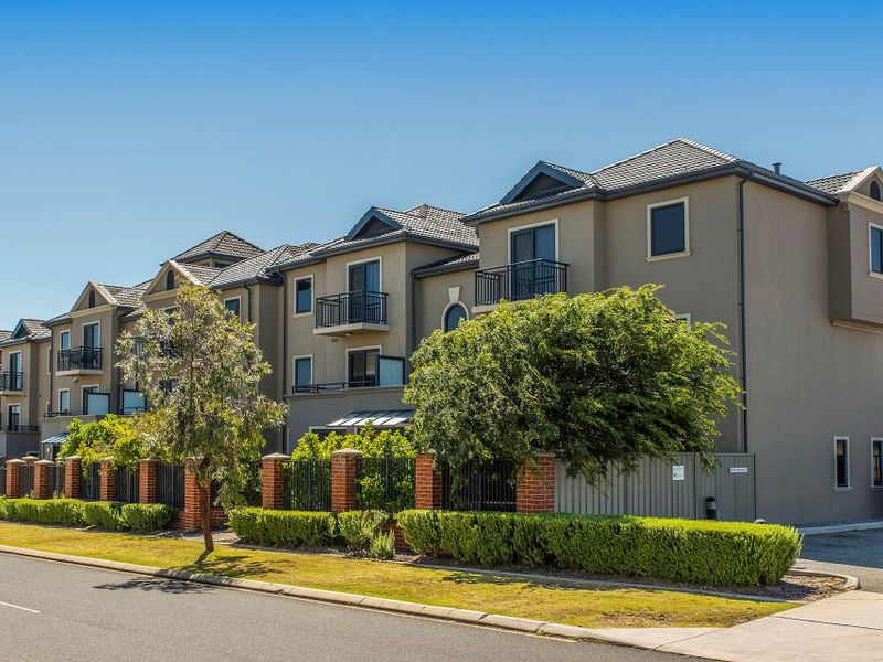 90/12 Citadel Way, Currambine, WA 6028