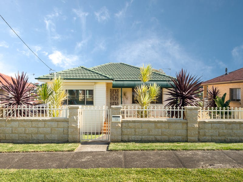 72 Weringa Avenue, Lake Heights, NSW 2502