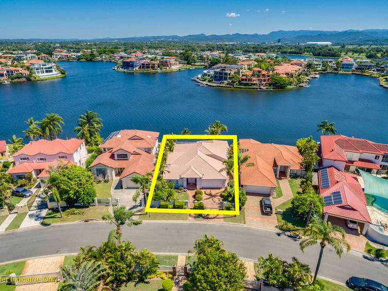 28 Montevideo Drive, Clear Island Waters, Qld 4226