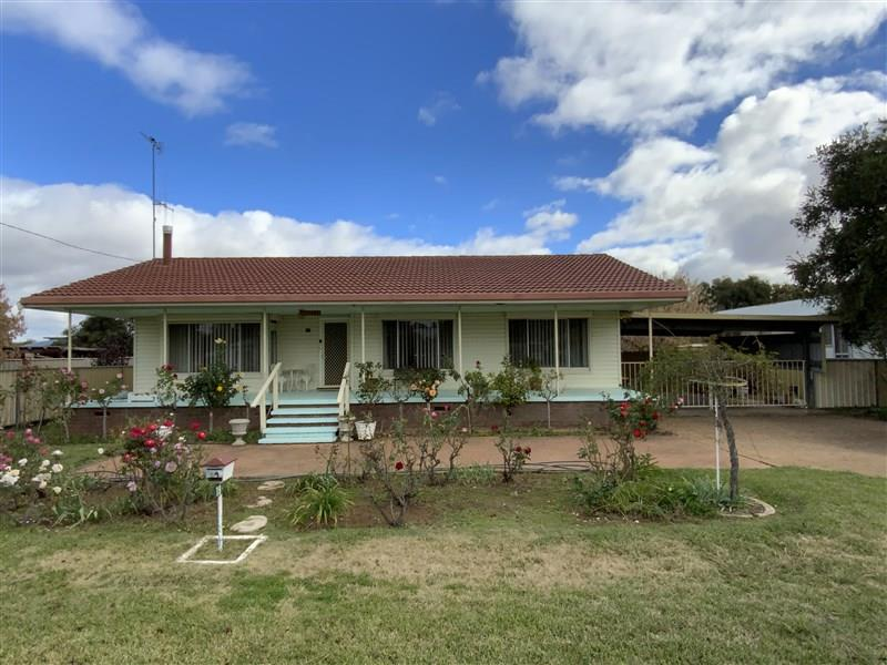 19 Young Street, Forbes, NSW 2871