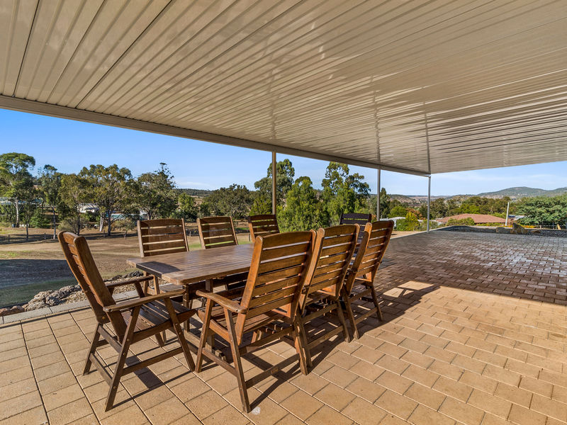 11 Valley View Drive, Meringandan West, Qld 4352