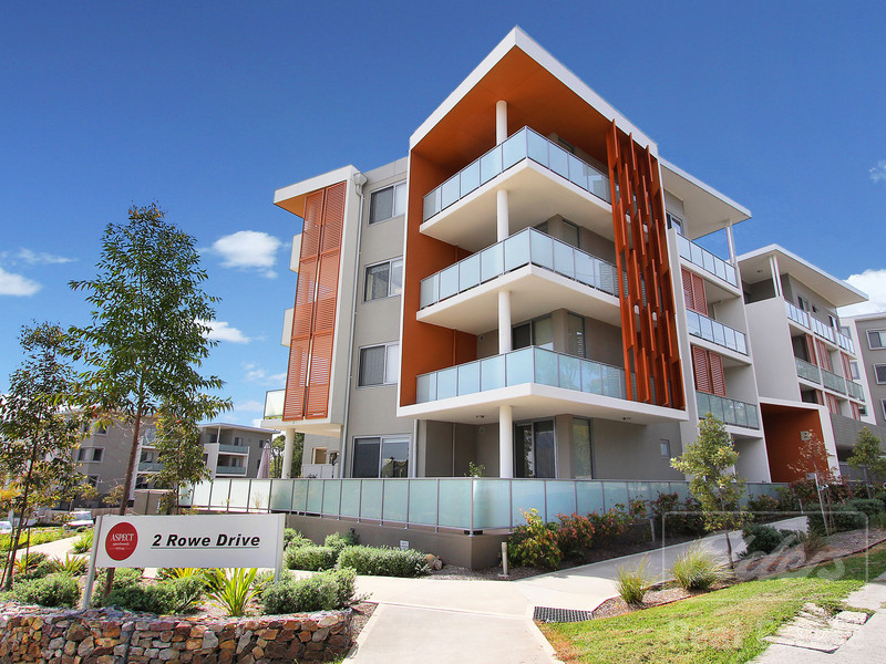 B404/2 Rowe Drive, Potts Hill, NSW 2143