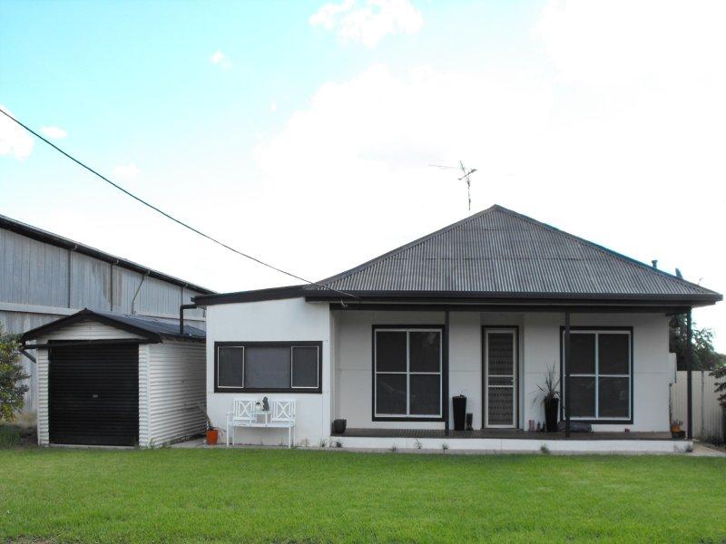 24 Ford Street, Ganmain, NSW 2702
