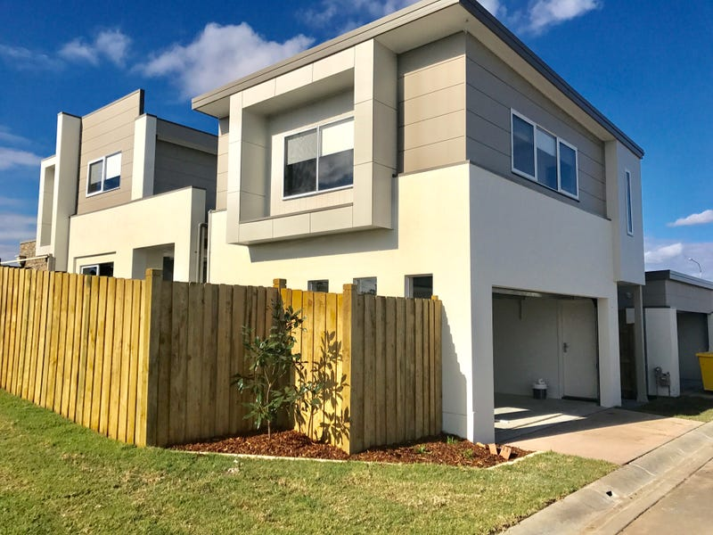 121 A Liz Kernohan Drive, Elderslie, NSW 2570