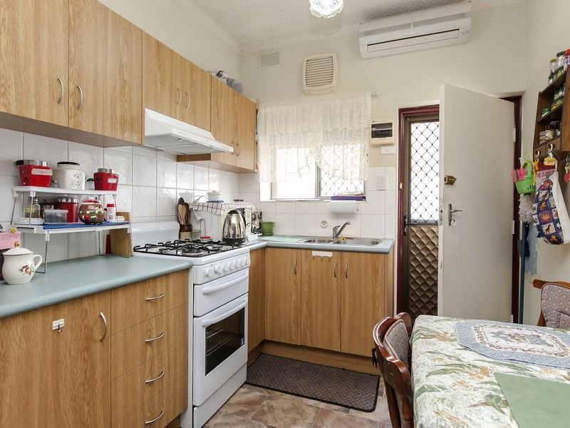Unit 2,4A First Avenue, Woodville Gardens, SA 5012