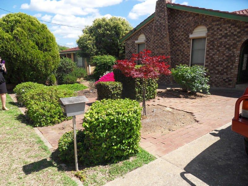 21 Fraser Street, Mount Austin, NSW 2650