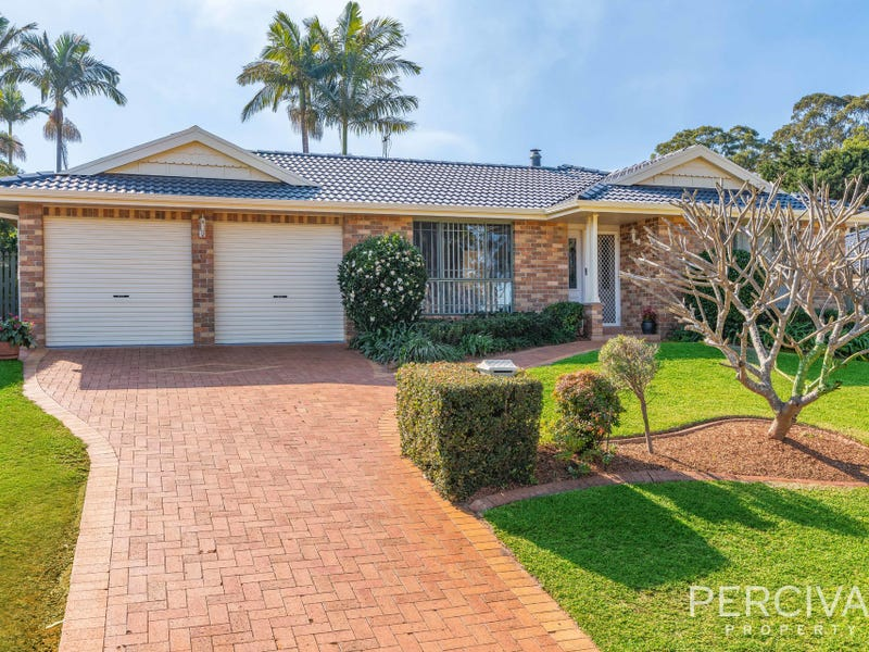 8 Grassmere Way, Port Macquarie, NSW 2444