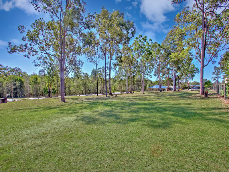 2-4 Laurina Drive, New Beith, Qld 4124