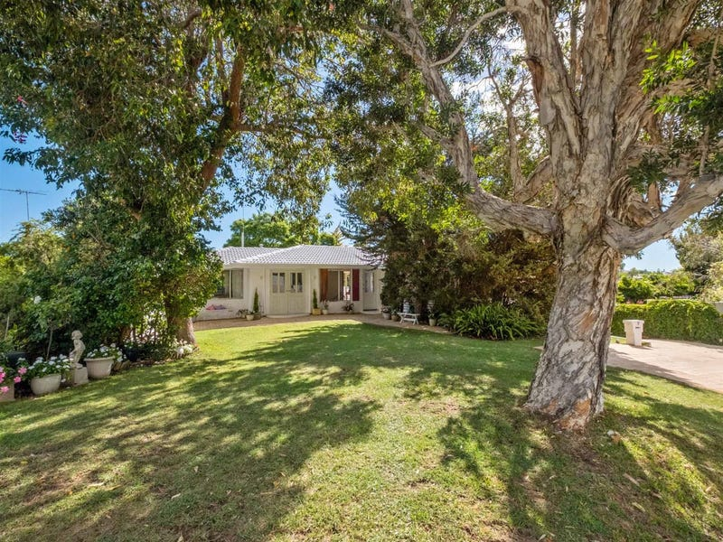 9 Bussell Road, Wembley Downs, WA 6019