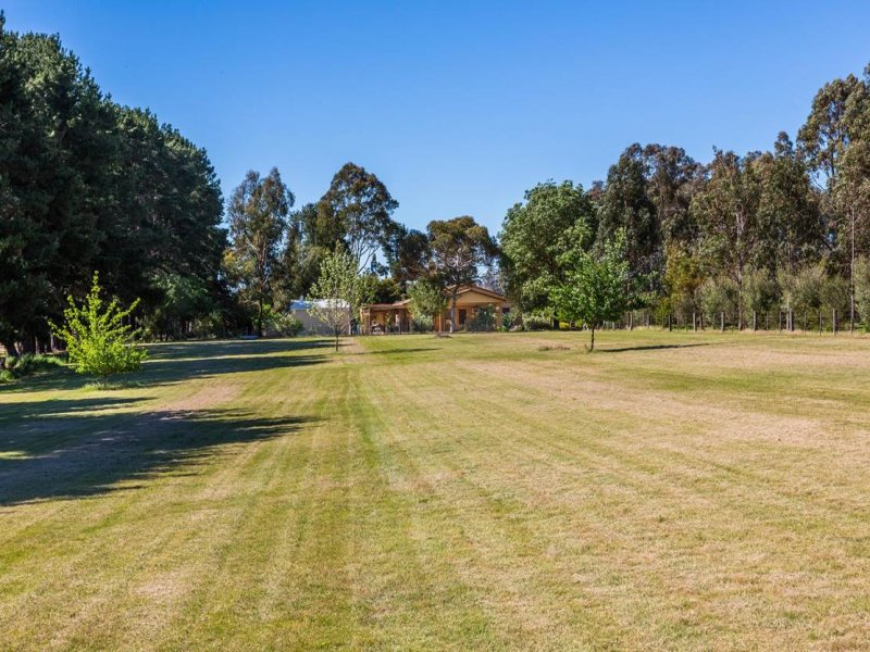 79 Tulley Road, Lima East, Vic 3673