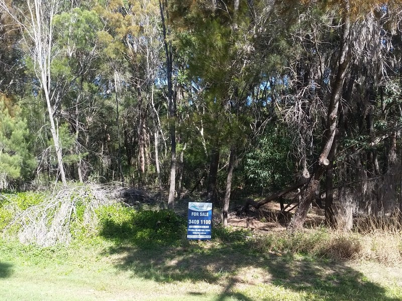 10 Hume St, Russell Island, Qld 4184