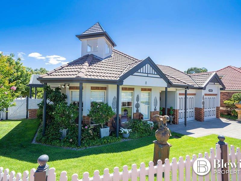 8 Rosewood Glen, Jerrabomberra, NSW 2619