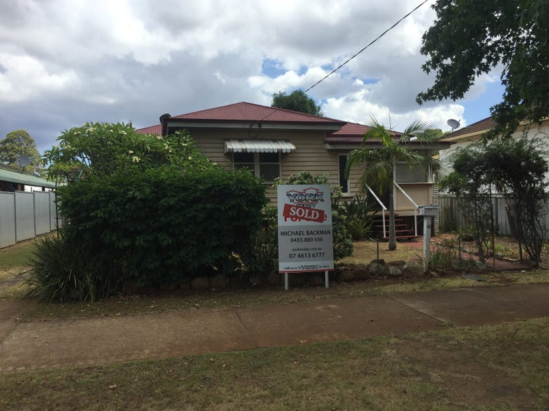 48 Wallace Street, Newtown, Qld 4350