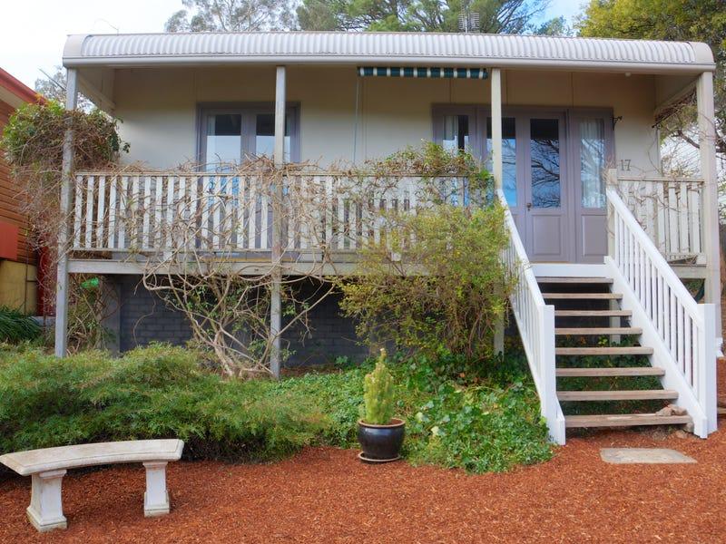 17 Gordon Avenue, Blackheath, NSW 2785