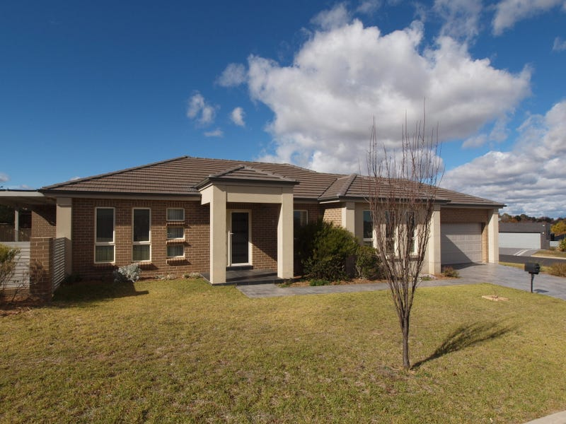 2 Candlebark Crescent, Orange, NSW 2800