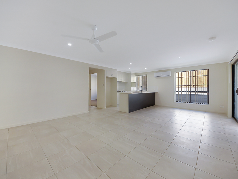 1/54B Logan Reserve, Waterford West, Qld 4133