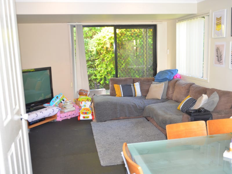 4/1158 Cavendish Road, Mount Gravatt East