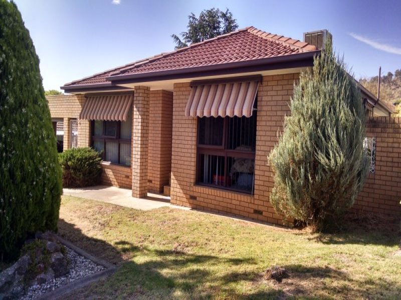 2 Deakin Court, West Wodonga, Vic 3690