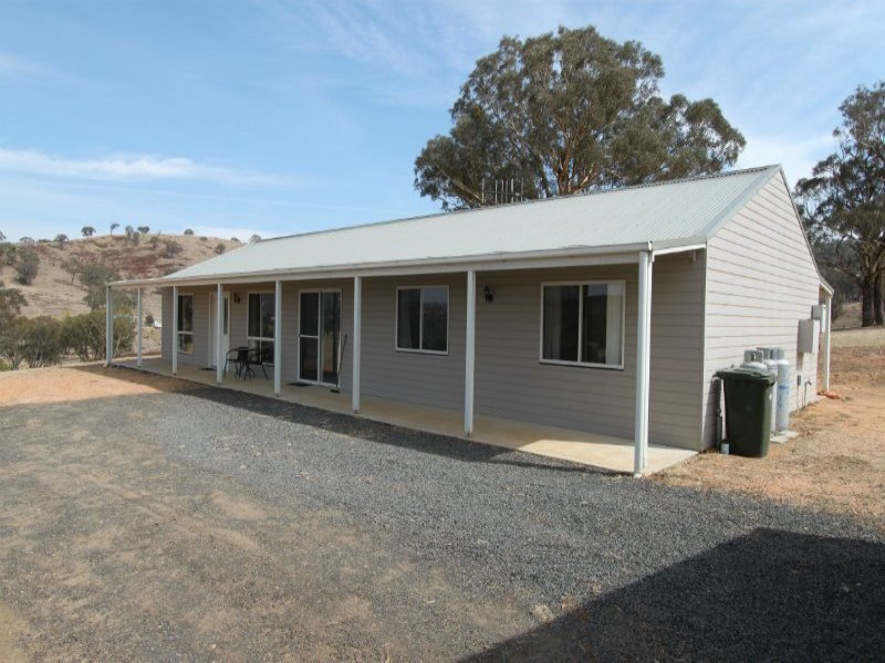 11 Pymonts Lane, Peel, NSW 2795