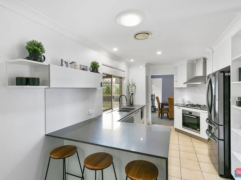 5 Rangeview Drive, Flinders View, Qld 4305