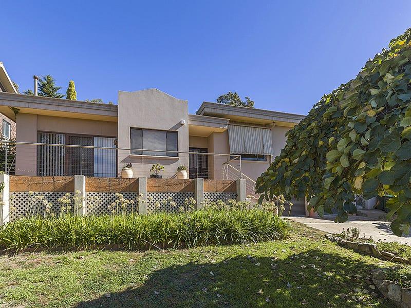 18 Andrews Avenue, Kooringal, NSW 2650