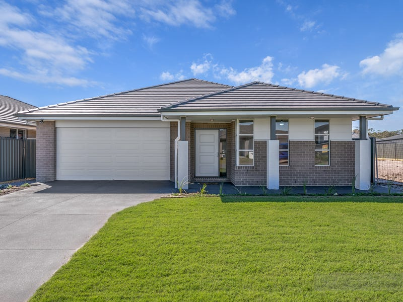 13 Foxtail Street, Fern Bay, NSW 2295