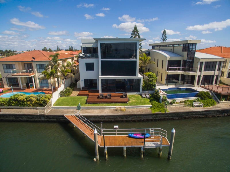 21 King Arthurs Court, Sovereign Islands, Qld 4216