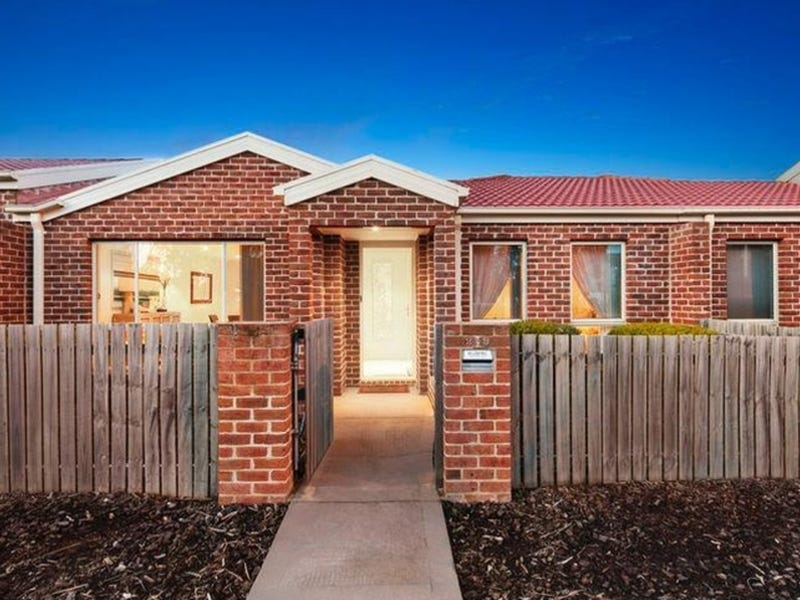 259 Anthony Rolfe Avenue, Gungahlin, ACT 2912