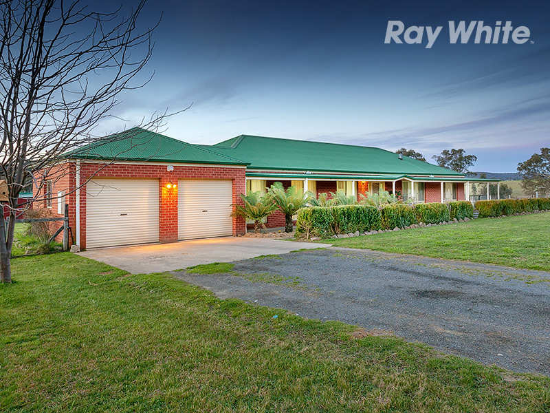 16 Reids Way, Wooragee, Vic 3747