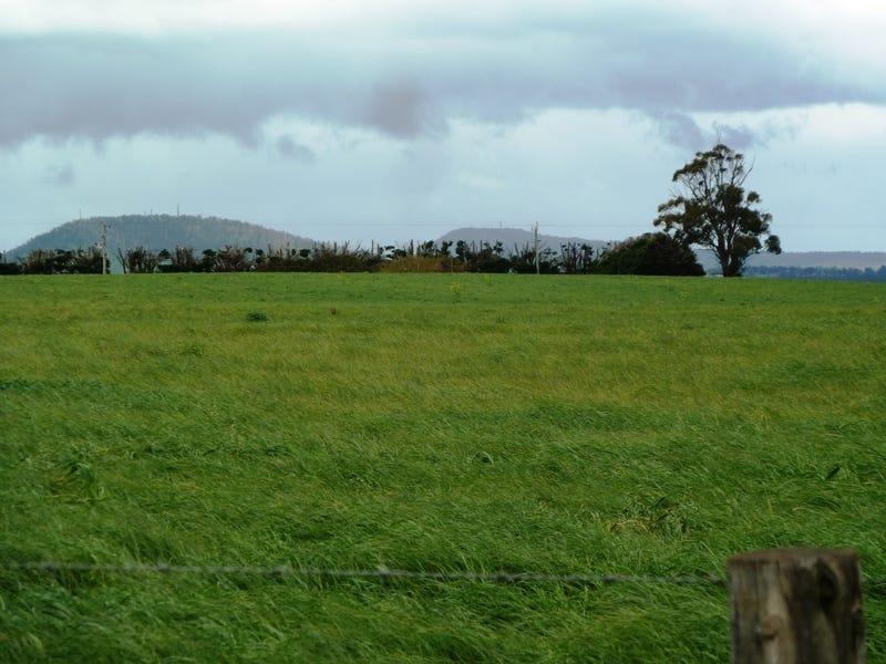 - Bungaree-Ballarat Road, Clarkes Hill, Vic 3352