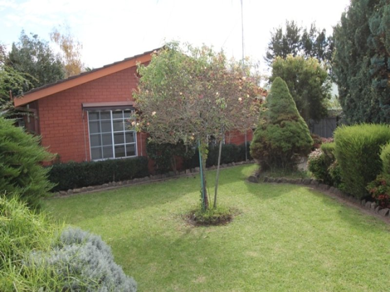 6 Mooney Valley Place, Bathurst, NSW 2795