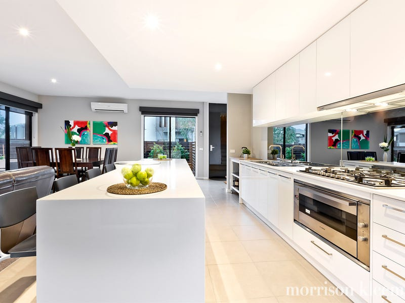 1/13 Evelyn Way, St Helena, Vic 3088