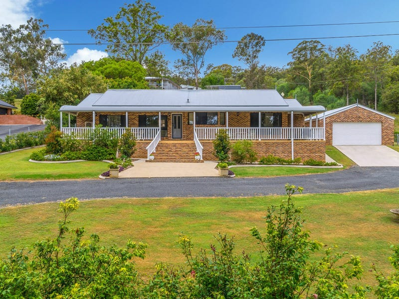171 Golf Links Road, Woodford Island, NSW 2463