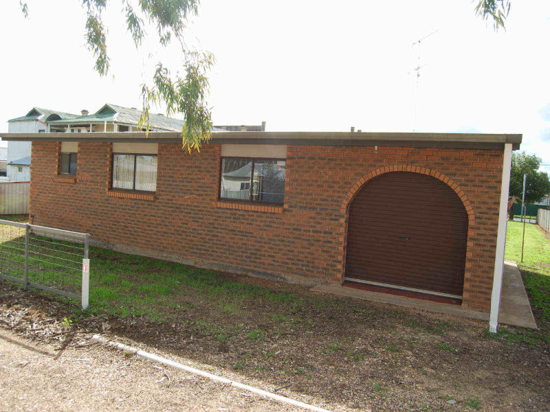 28  Stephen St, Urana, NSW 2645