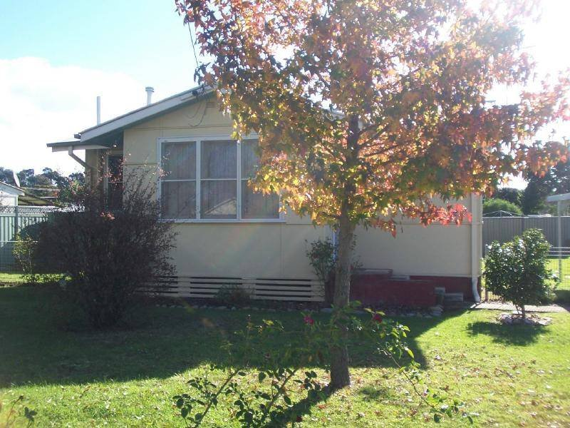211 Hovell Street, Cootamundra, NSW 2590