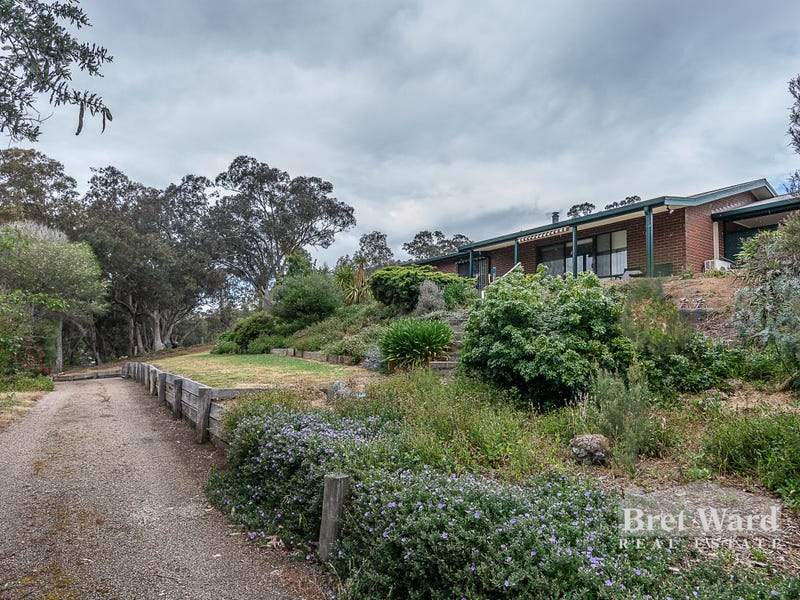 10 Antonoff Rd, Swifts Creek, Vic 3896