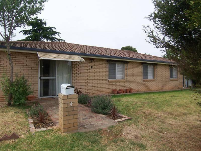 4 McGowan Street, Cootamundra, NSW 2590