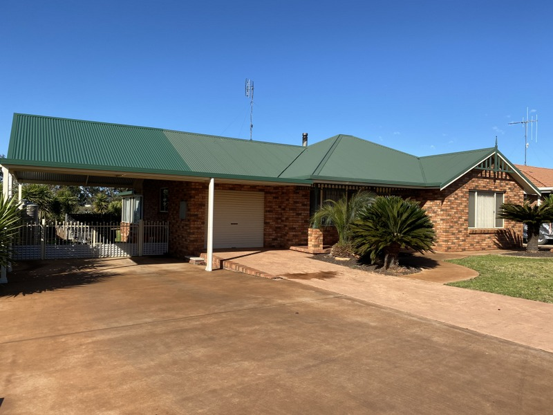 15 Golden Bar Drive, Parkes, NSW 2870