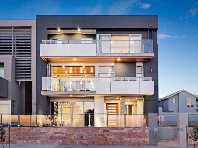 12 Socrates Parade, North Coogee, WA 6163
