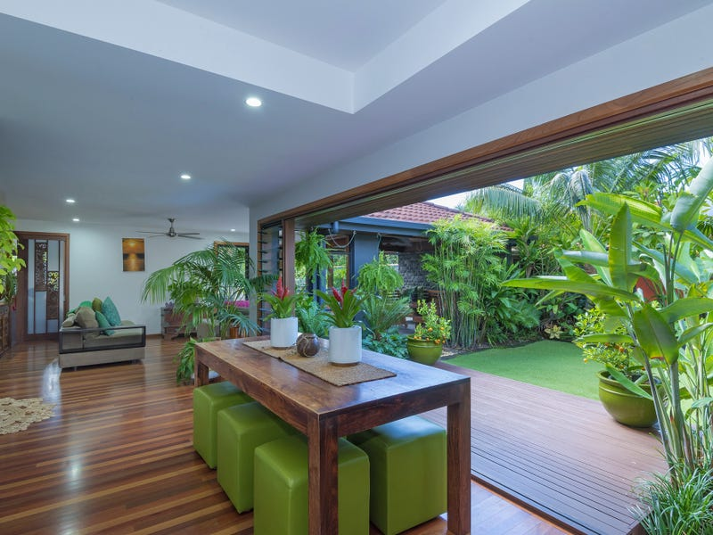 35 Lake View Dr, Twin Waters, Qld 4564