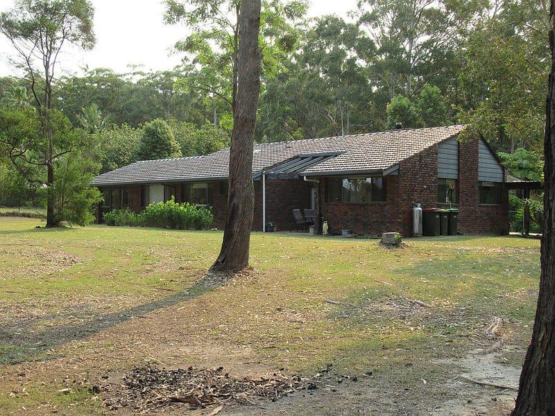 135 Lake Russell Drive, Emerald Beach, NSW 2456