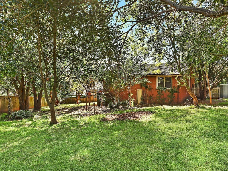 24 Dobson Crescent, Dundas Valley, NSW 2117