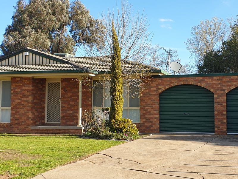 31 O'connor Street, Tolland, NSW 2650