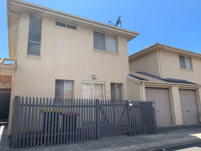 2/8 Wairoa Street, Canterbury, NSW 2193