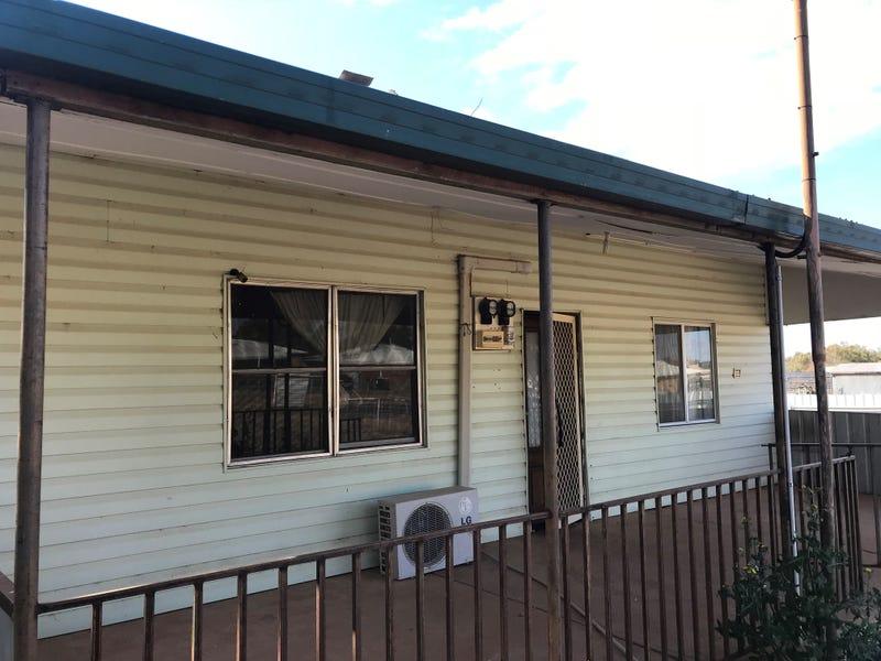 27 GOOBANG STREET, Condobolin, NSW 2877